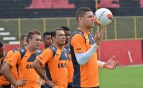 Por erro do Bragantino, Vitória pode perder jogador para estreia no Baianão