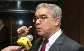 Zé Neto elogia oposição e despista sobre candidatura à prefeitura de Feira