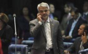 Humberto Costa é reconduzido à liderança do PT no Senado