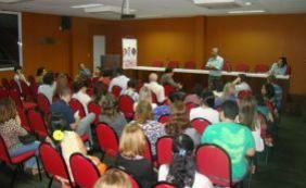 Médicos da rede municipal de Salvador entram em greve