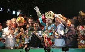 Rei Momo recebe chave da cidade e abre Carnaval de Salvador