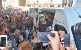 Wesley Safadão chega ao Circuito Dodô para primeiro dia de carnaval