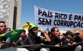 """Pesquisa aponta que 70% dos brasileiros já tiveram """"atitude corrupta"""""""
