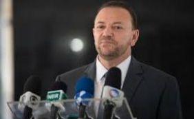 Ministro diz que existe a possibilidade da zika ser transmitida pela saliva