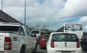 Trânsito em Salvador testa a paciência dos motoristas nesta quarta
