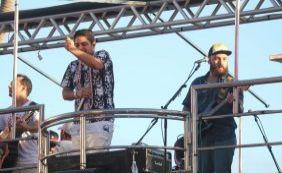 Jorge e Mateus arrastam multidão no bloco Pirraça neste domingo