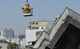 Sobreviventes são resgatados em Taiwan 50 horas após terremoto