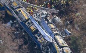 Choque de trens mata pelo menos nove pessoas e fere 150 na Alemanha