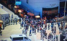Ambulantes realizam novo protesto na Barra contra monopólio de cervejaria