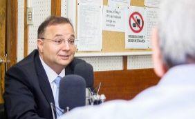 Secretário diz que conseguiu economizar 20% com compras de medicamentos
