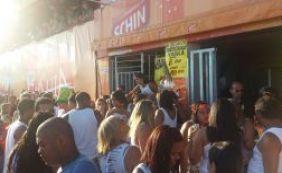 Camarote é interditado na Barra e foliões amargam prejuízo