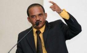 Camaçari: MP pede revogação de habeas corpus e volta de Elinaldo para cadeia