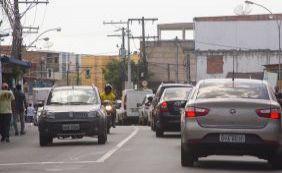 Quinta-feira é de trânsito complicado em Salvador