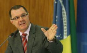 """""""Ninguém precisa ter pressa"""", diz ministro sobre cálculo da aposentadoria"""