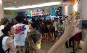 40 dias antes, público faz fila quilométrica por ingresso de show de Safadão