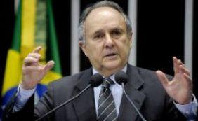 Após dez anos no PDT, senador Cristovam Buarque troca partido pelo PPS