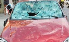Após fim de relacionamento, mulher destrói carro de companheiro na Bahia