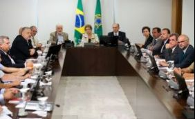 Presidente reúne ministros para discutir ações contra o Aedes