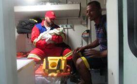 Homem encontra recém-nascido abandonado em Lauro de Freitas