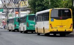 Homens armados assaltam ônibus no bairro da Pituba