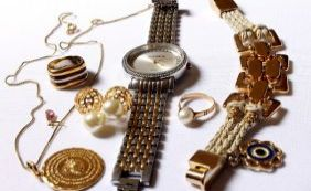 Ibametro fiscaliza bijuterias para verificar presença de metais pesados