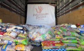 Instituições recebem alimentos arrecadados em show de Saulo