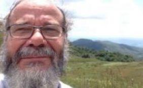 Ufba realiza ato em homenagem a professor morto na Bahia