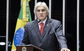 Ministro Teori Zavascki revoga prisão de senador Delcídio do Amaral