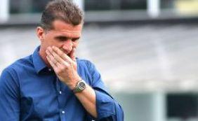 """""""Perco uma cabeça pensante"""", diz Mancini sobre saída de Leandro Domingues"""