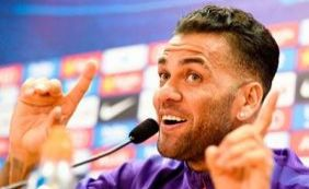 """""""Quero encerrar a carreira onde comecei"""", diz Daniel Alves"""