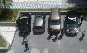 PF faz buscas em um dos apartamentos de João Santana, no Corredor da Vitória