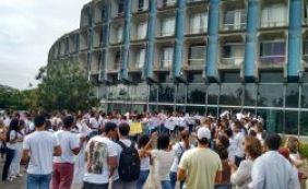Professores e estudantes da área de saúde da Uneb fazem novo protesto no CAB