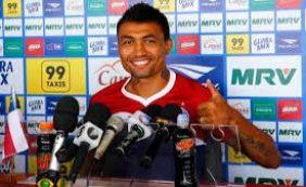 """""""Kieza continua no nosso radar"""", diz Nei Pandolfo, diretor de futebol do Bahia"""