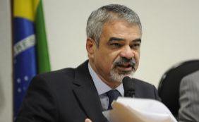 Humberto Costa vai substituir Delcídio na liderança do governo no Senado