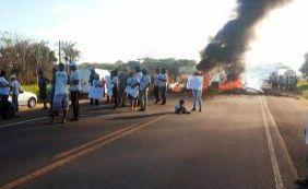 Em protesto por posse de terras, produtores rurais fecham trecho da BR-367