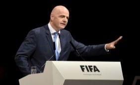 O suíço Gianni Infantino é eleito o novo presidente da Fifa