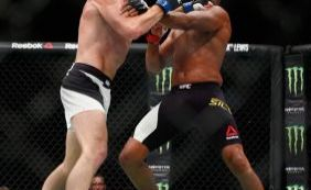 Anderson Silva brinca demais e é derrotado em seu retorno ao UFC