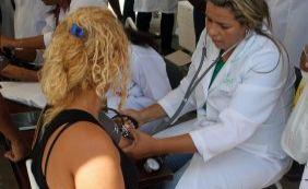 Servidores da saúde protestam contra corte do adicional de insalubridade