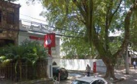 Quadrilha assalta agência do Banco Santander no Corredor da Vitória