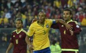 """Miranda elogia seleção brasileira e avisa: """"Grandes atuações estão por vir"""""""