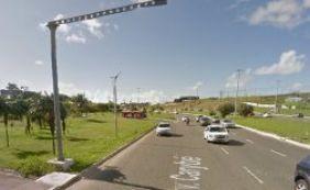 Motociclista colide com poste em São Cristóvão