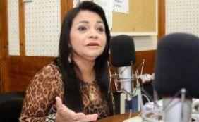 """""""Vai ficar pior do que está"""", diz deputada Moema Gramacho sobre reforma política"""