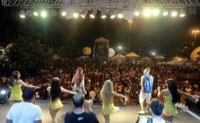 Festejo junino em Paripe leva mais de 30 mil pessoas às ruas