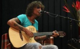 Cantor Luiz Caldas é indicado em duas categorias no Prêmio da Música Brasileira