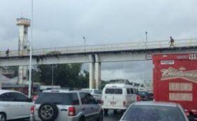 Motoristas enfrentam trânsito com lentidão nas principais vias de Salvador