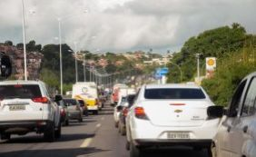 Trânsito intenso durante a segunda-feira em Pirajá