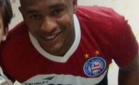 Alexandro chega e realiza exames antes de assinar com o Bahia