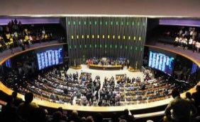 Votação da maioridade penal deixa o plenário em clima tenso