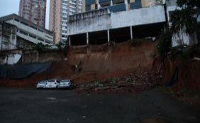 Imóvel é esvaziado após deslizamento de terra no Itaigara