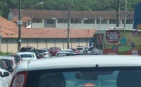 Obras no Rio Vermelho provocam congestionamento desde Amaralina